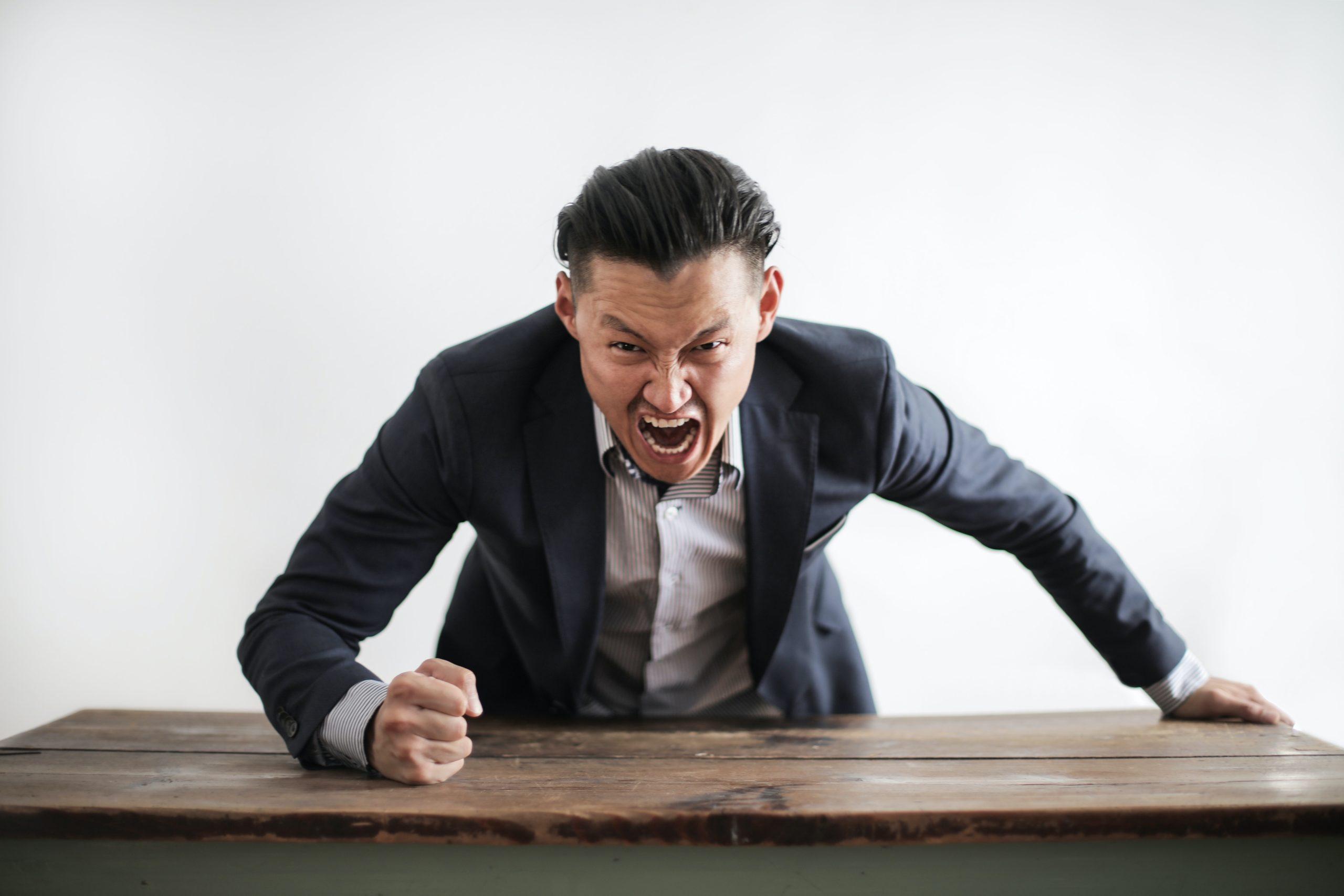 Ini Dia 5 Cara Menghadapi Bos Otoriter di Kantor